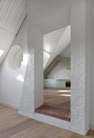 Leysstraat 7-15, Bovenbouw & Barbara Van Der Wee Architects (Foto: Filip Dujardin)
