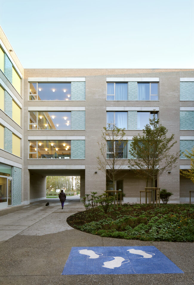 Woonzorgcentrum De Drie Plantanen, Bovenbouw Architectuur, (Foto: Filip Dujardin)