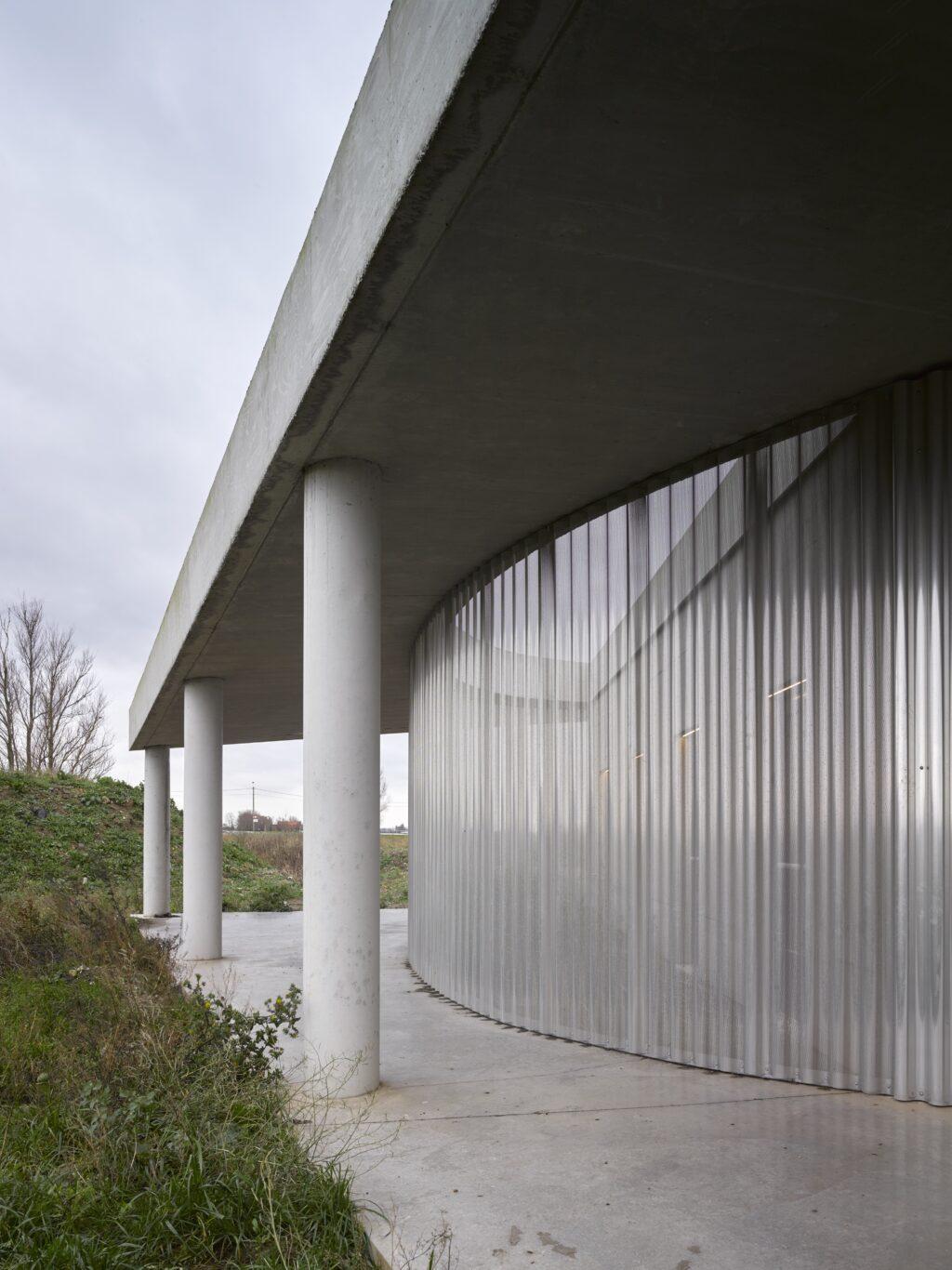 Crematorium Polderbos, OFFICE Kersten Geers David Van Severen i.s.m. kunstenaar Richard Venlet, Bas Smets, (Foto: Bas Princen)