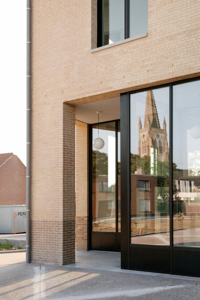 Sociaal huis Langemark-Poelkapelle, Tom Thys architecten, (Foto: Crispijn van Sas)
