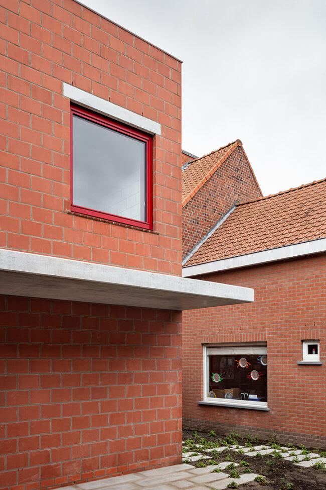 Jeugdontmoetingscentrum De Lichting, RAAMWERK, (Foto: Stijn Bollaert)