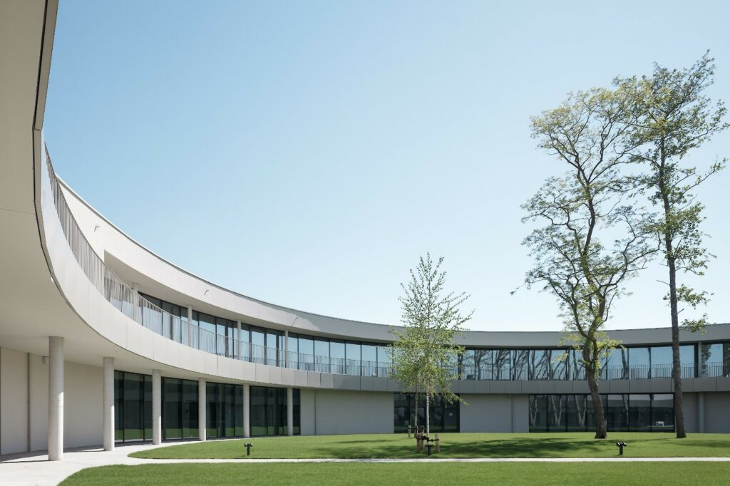 Zorghotel Polderwind Zuienkerk, POLO Architects, (Foto: Stijn Bollaert)