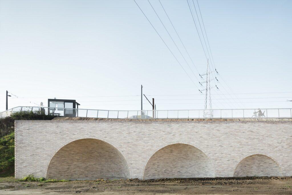 Tractiestation Tjalkstraat, Van Belle & Medina Architects, (Foto: Stijn Bollaert)